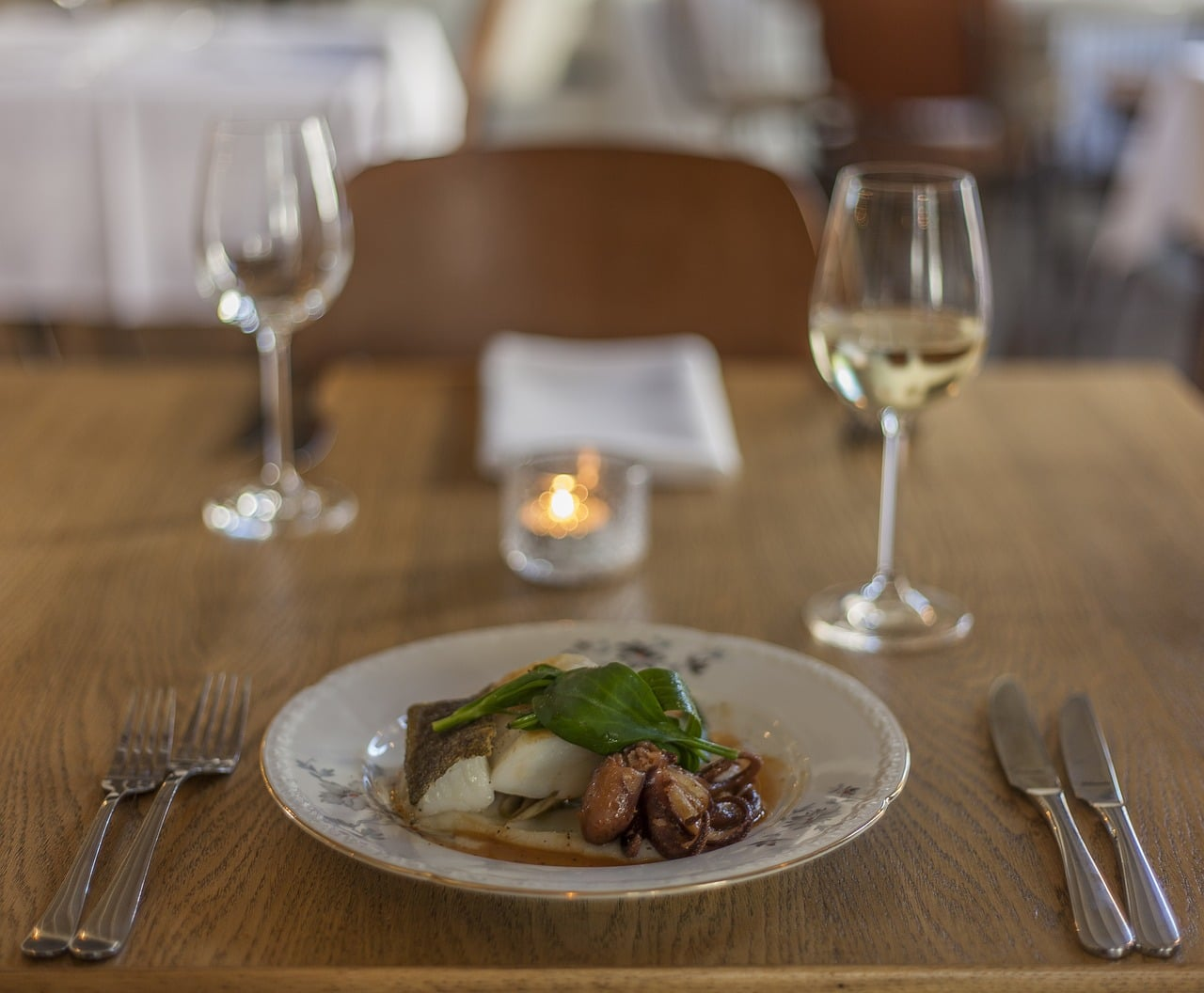 restaurant-2535110_1280
